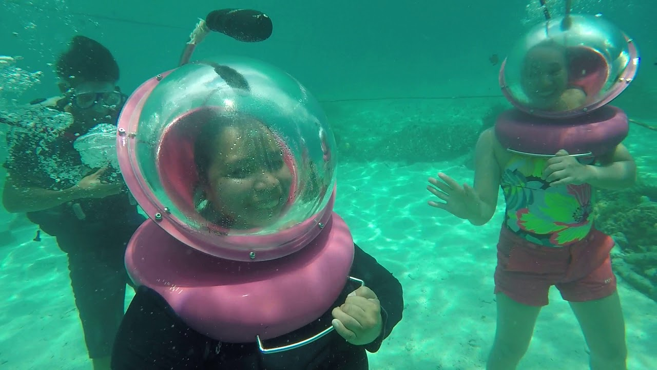 HELMET Diving In Isla Reta