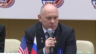 Предполётная пресс-конференция экипажей МКС-55/56 в ЦПК