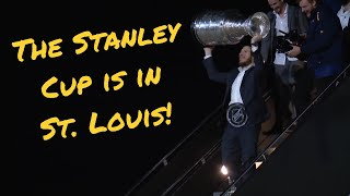 WATCH: The moment the Stanley Cup and Blues arrived in St. Louis