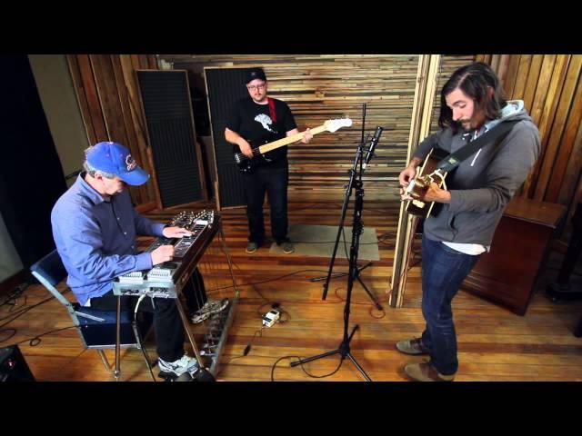 "Ricky Kendall Performs ""Family Tree"" Live @ Medusa Studios"