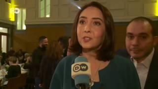 الأمير علي يمازح زوجته خلال لقاء تلفزيوني