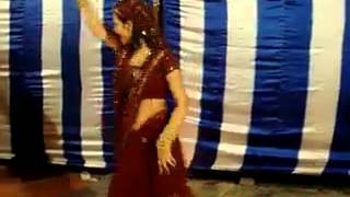 Funny Indian Dance Talent - Must Watch - It Happens only in India