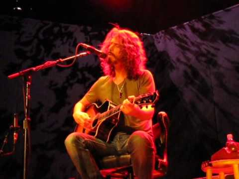 Chris Cornell - Acoustic - Milwaukee 4.23.11 Filmed From Stage! 70 Min (Great Audio)