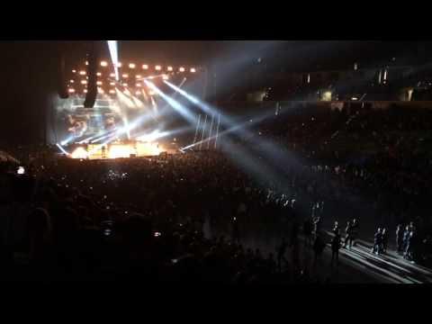Green Day LIVE in Turin 10/01/2017 Revolution Radio