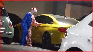 KILLER CLOWN - TRIES TO STEAL MY CAR!!