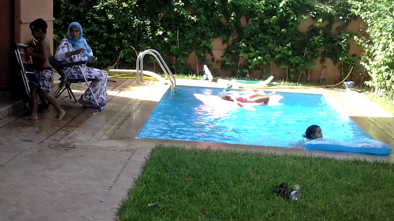 Nage Dans La Piscine 28 07 2015 Youtube
