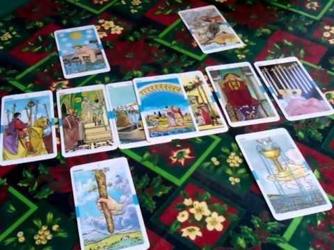 Вопрос: Как раскладывать карты Таро?