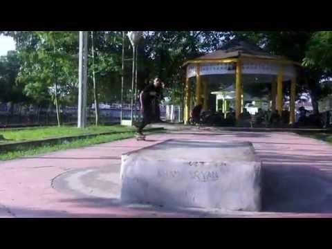 Ramadhan Ngabuburit Bersama United Singkawang Skateboarding