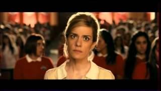 """une élève-fantôme reprend une chanson de Shakira -extrait """"ghost graduation"""""""