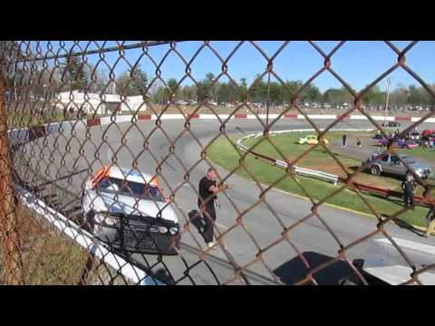 A Wild Mini Stock Race at Franklin County Speedway 4/17/16