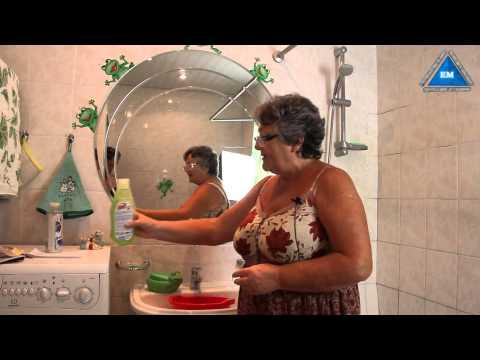 Как отмыть зеркало в ванной от пятен без разводов
