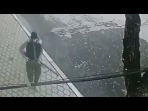 Tiroteo en Rusia: Momento en que el atacante se dirige a sus víctimas y empieza a disparar