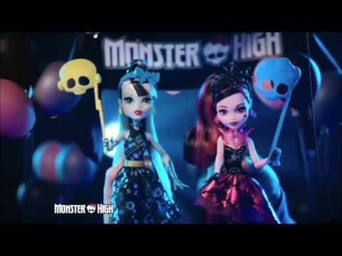 Smyths Toys - Monster High Singing Popstar Ari Hauntington Doll