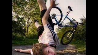 Жесткое падение на велосипедах.Мы собрали жесткие падения на велосипедах(Паления+Трюки на велосипедах тут 0:13 0:47 0:59 прыжки спуски фото гонки на велосипедах 1:27 1:34 1:53 падение на велос..., 2014-09-29T09:10:11.000Z)