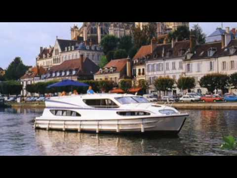 Boating and canal holidays in Europe. Introduction to boat hire.