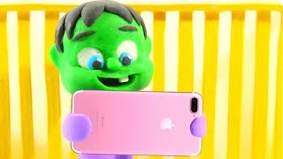 BABY HULK USES THE IPHONE ❤ Spiderman, Hulk & Frozen Play Doh Cartoons For Kids
