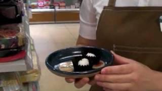 そのまま食べられる、海苔でできたお弁当のギザギザカップ