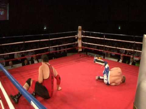 Marcus Kool VS Max Damage (Wrestling Attraction at...