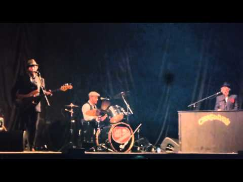 Chas & Dave - The Diddlum Song (Diddle Umma Day) Live Barclaycard Arena (NIA) Birmingham 13.12.2014
