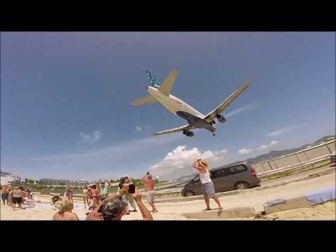 MAHO Beach St.  Maarten - Airplane landing