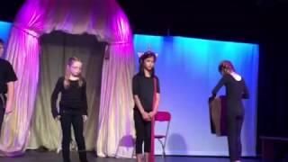 Gina skit Lion, Witch, Wardrobe at children