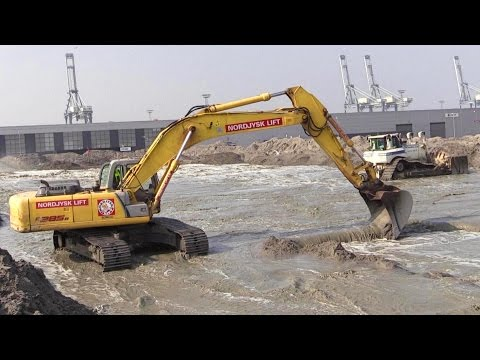 New Holland E385B Excavator And Cat D8T Dozer Working With Land Reclamation
