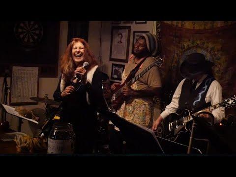 Star La'Moan & The Kitchenettes - LOUIE LOUIE (the 2018 jazz reggae version)