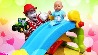 Смешные видео с куклами – Беби Бон катается с горки! – Онлайн игры для детей дочки матери