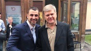 Смотреть видео Праймериз без интриги. Сергей Митрохин о выдвижении в мэры Москвы от партии «Яблока» онлайн