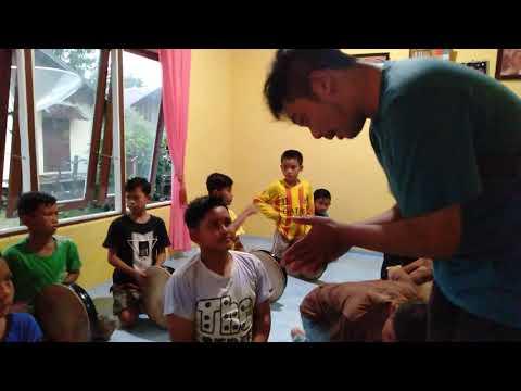 Rapai geleng, latihan perdana ank2 desa ladang susoh Abdya,gure alwi