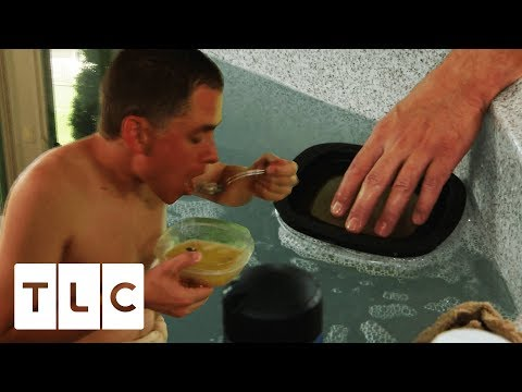 Man Heats Up Food In His Jacuzzi! | Extreme Cheapskates