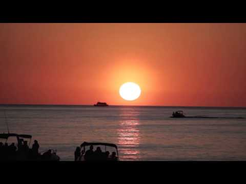"""Café del Mar Terrace Mix 3 """"Need To Feel Loved"""" by UnClubbed"""
