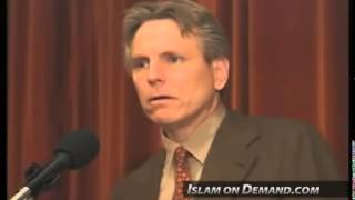 American Atheist and his Family Converted to Islam after Reading the Quran