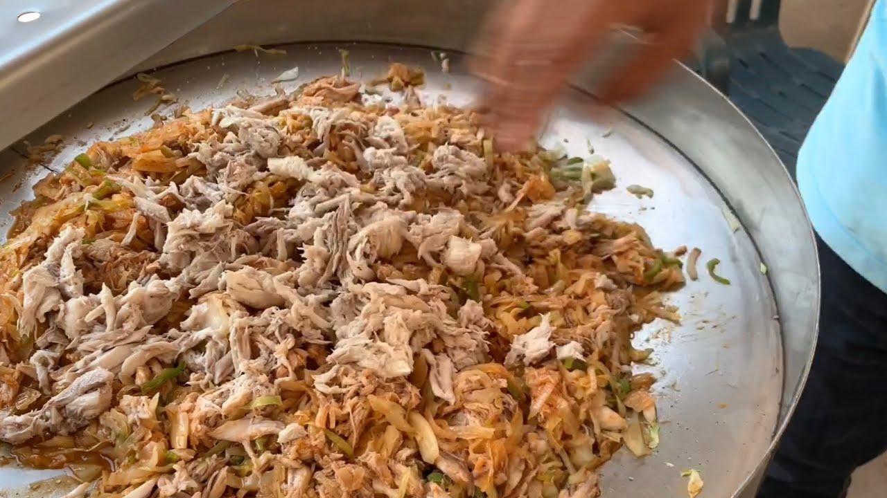 Machaca de manta fresca con repollo y tortillas de harina