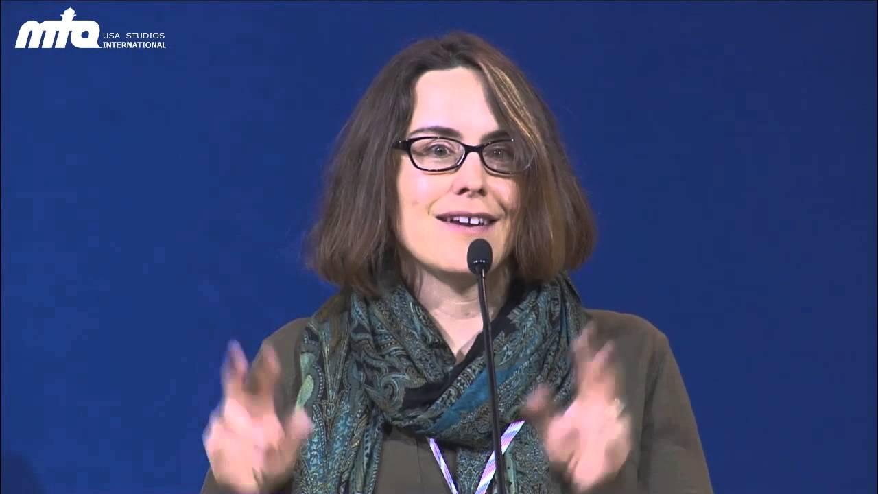 Professor Kecia Ali speaks at Jalsa Salana USA 2013 - YouTube