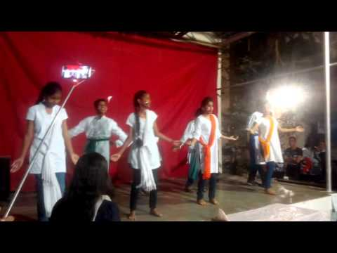 dance performance on india waale song