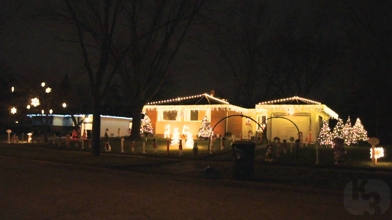 elvis presley blue christmas 2011 christmas lights show