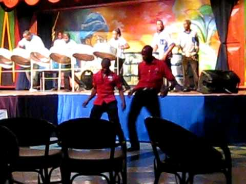 Riu entertainment staff ocho rios doovi for Fish hawk sporting clays