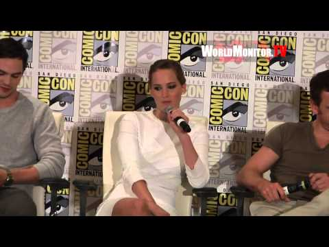 Jennifer Lawrence Hilarious Response at 'X Men: Days of Future Past' Comic Con 2013