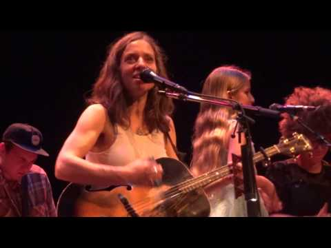 Ani DiFranco w Petah  Which Side Are You On Arcata, CA 10916