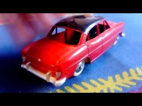 Dinky Toys - Simca Versailles Taxi