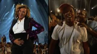 Beyonce Celebrates Her Pregnancy at MTV VMAs With Proud Jay-Z!