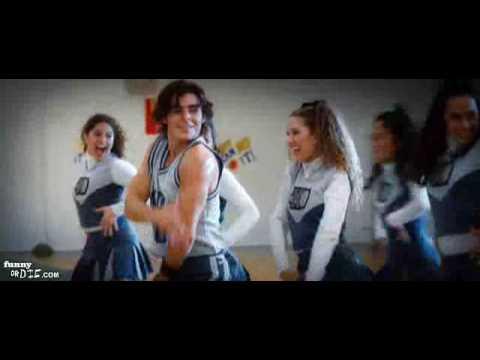 Zac Efron Dances to 17 Again Soundtrack