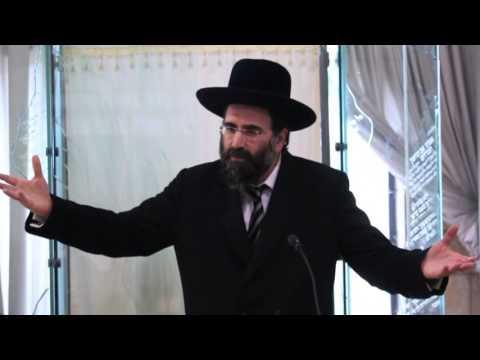 Rabbi Avraham Deutsch speaking at Yeshivas Aish HaTorah