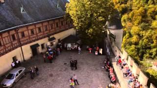 Замок Карлштейн / Hrad Karlštejn / Karlštejn Castle(Прогулка к замку Карлштейн, что в 30 километрах от Праги. Официальная страница замка - http://www.hradkarlstejn.cz/ О коро..., 2014-10-26T14:28:42.000Z)