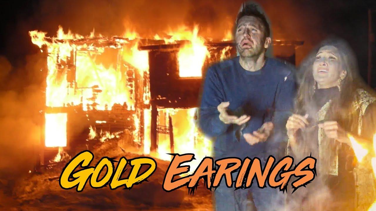 Gold Earrings   OZZY RAJA