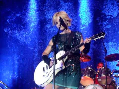 CRANBERRIES-Show me [live in Berlin 8/10/2012]