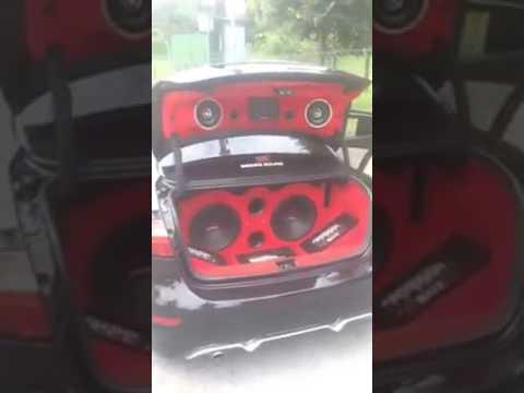Renault fluence ses sistemi ile ortayi yakiyor