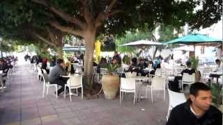 tunis street scenes   avenue habib bourguiba   5 6 january 2013   tunisia