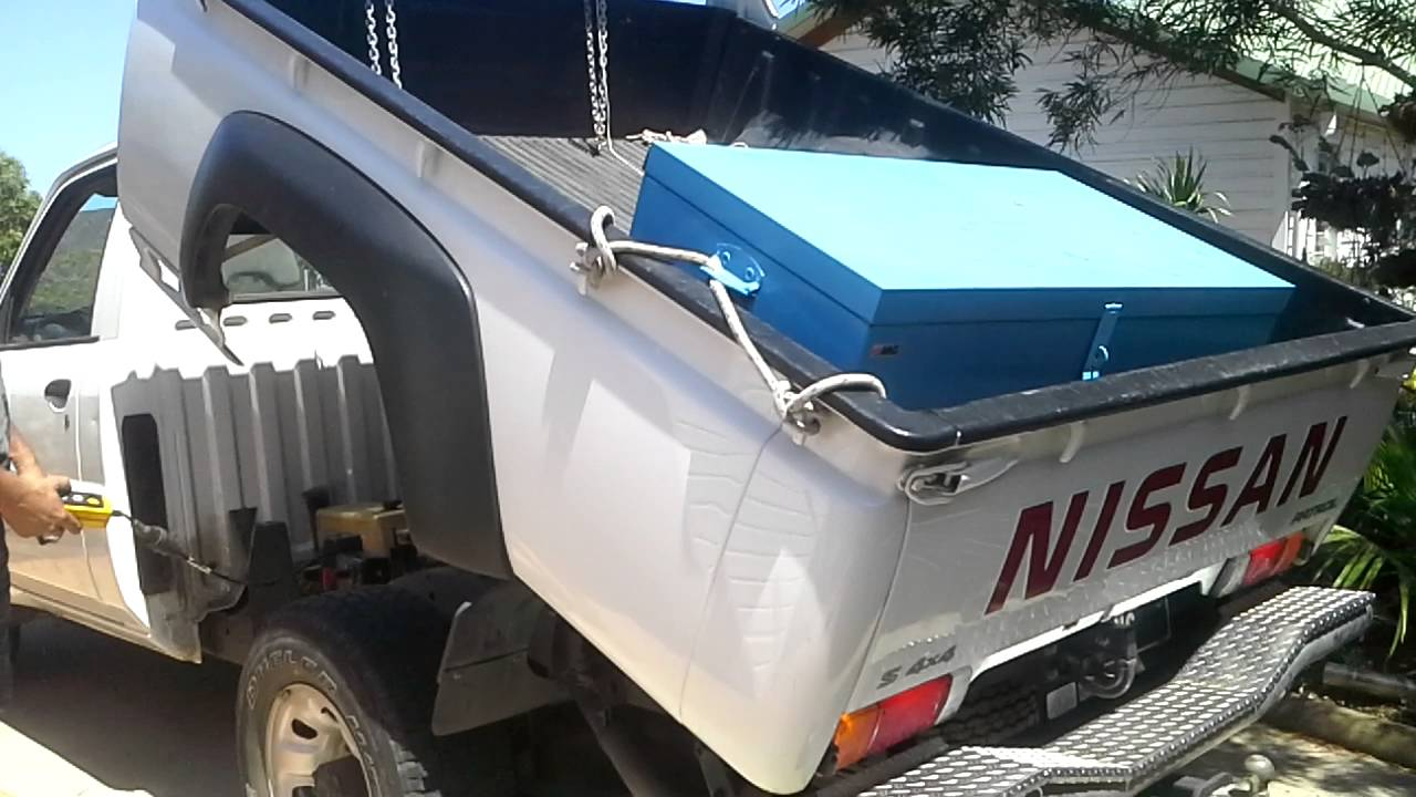 nissan patrol 4x4 modification en benne hydraulique noumea youtube. Black Bedroom Furniture Sets. Home Design Ideas
